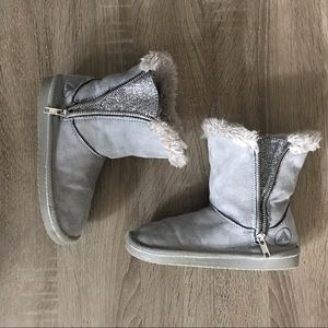 Airwalk Fluffy Boots With Sparkly Inserts Zip Up